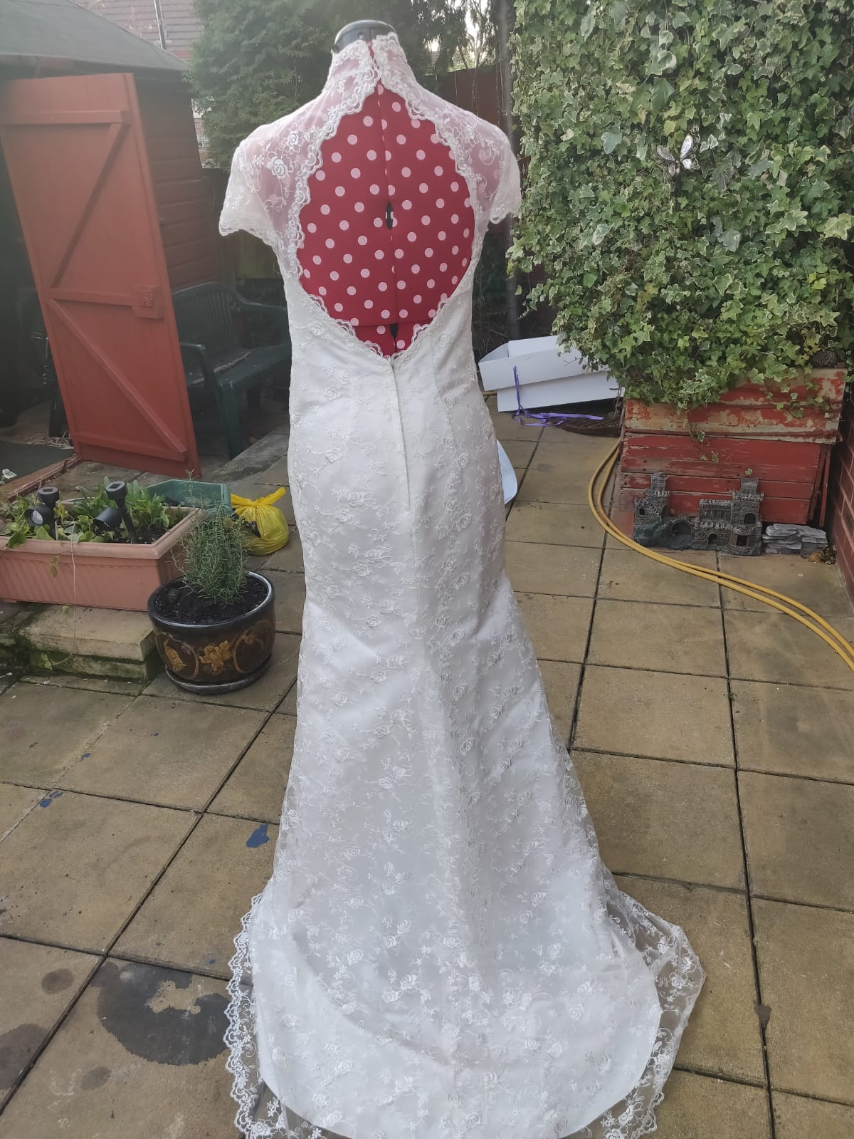 Boutique One Off Design Pearl Colour Size 8 12 Can Be Let Out Or